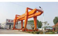 山东威力重工液压机厂家生产设备-行车